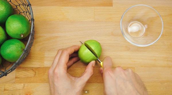 Cách trồng chanh tại nhà dễ như trở bàn tay - 1436975154 neyuthong thuong chung ta chi can dung dao bo doi qua chanh ra roi vat anh cat tu clip tin8 5 bcvp