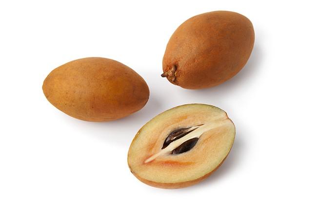 Mẹo hay chọn Hồng Xiêm ngọt mát, không ngâm hóa chất - cach chon hong xiem ngot mat khong hoa chat231